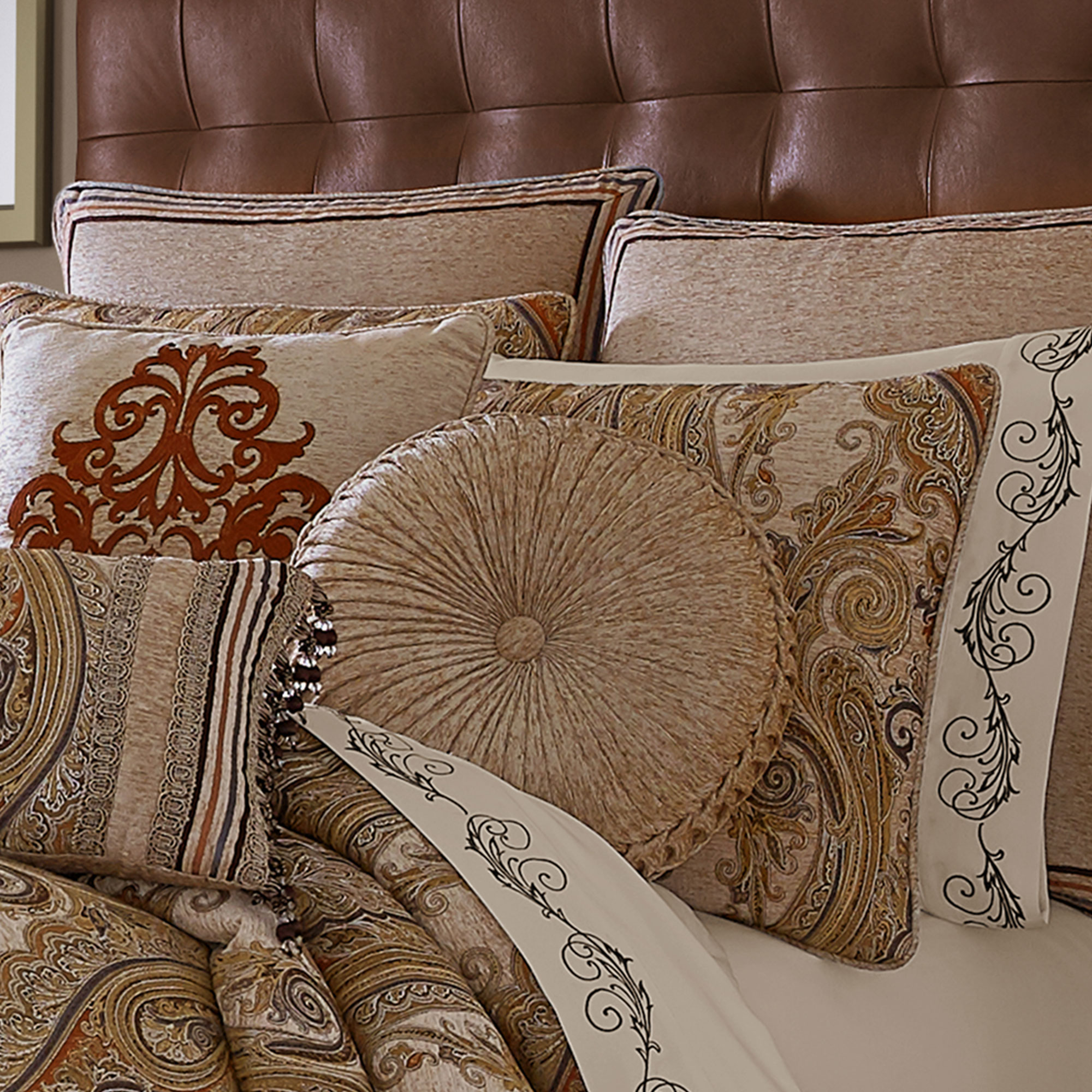 Luciana Beige Queen 4 Pcs Comforter Set