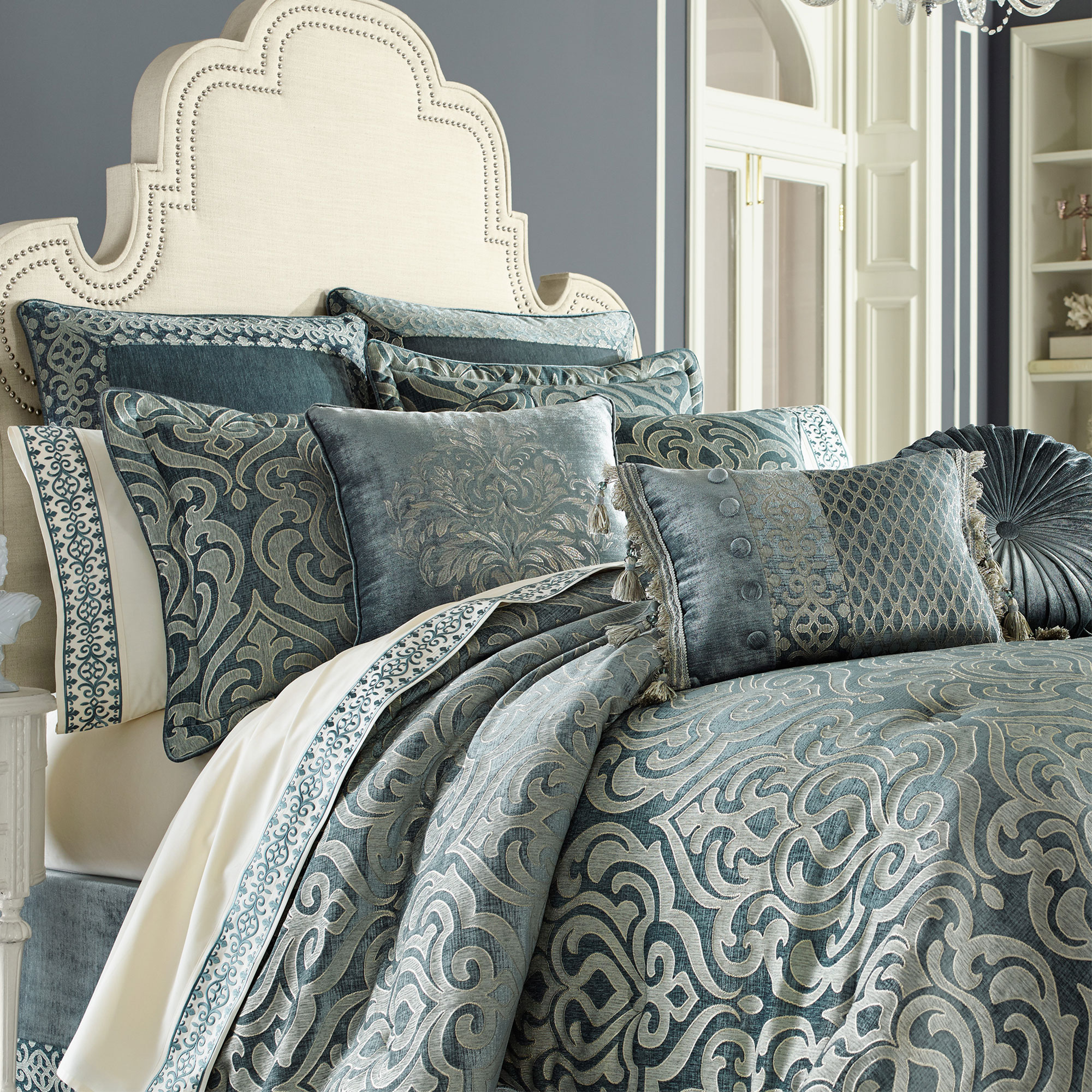 Sicily Teal Cal King 4 Piece Comforter Set