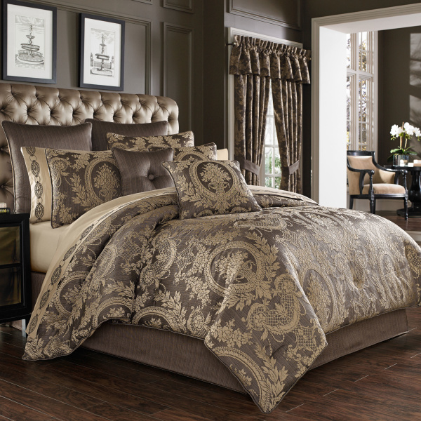 Neapolitan California King 4pc. Comforter Set Mink