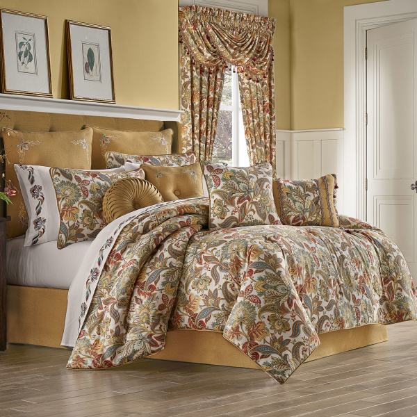 August Queen 4pc. Comforter Set