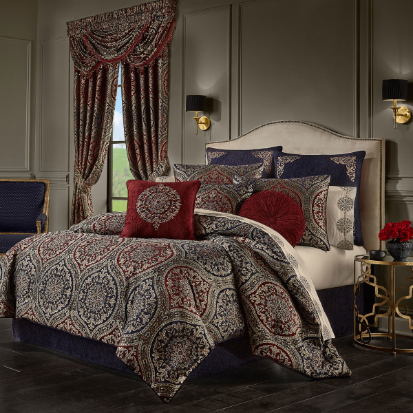 Taormina Red Queen 4 PCS Comforter Set