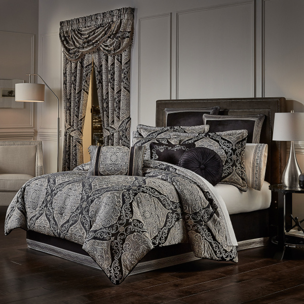 Vera Black Queen 4 Piece Comforter Set