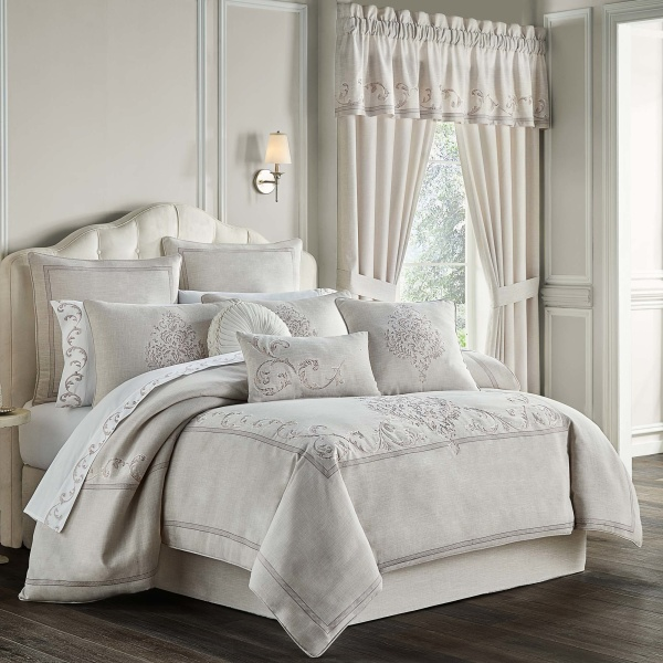 Angeline Queen 4 Piece Comforter Set