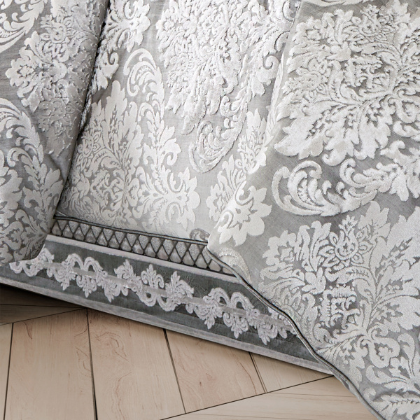 Bel Air Bedskirt Silver