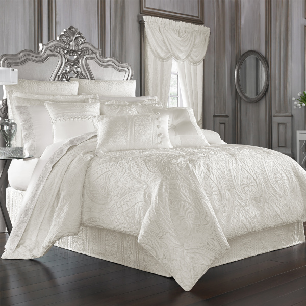 Bianco Queen 4-Piece Comforter Set