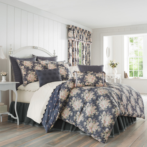 Braylee Queen 4-Piece Comforter Set