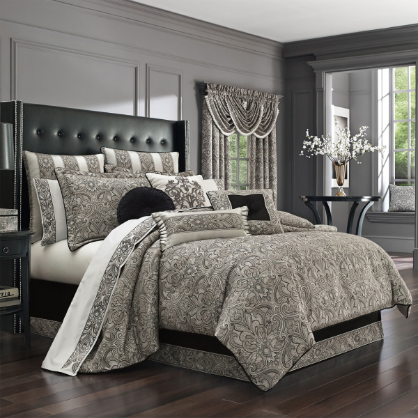Chancellor Queen 4-Piece Comforter Set