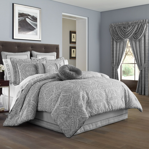 Colette King 4-Piece Comforter Set
