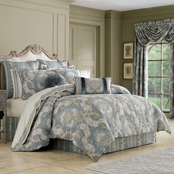 Crystal Palace Queen  4-Piece Comforter Set