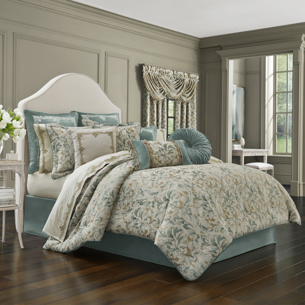 Donatella Cal King 4-Piece Comforter Set
