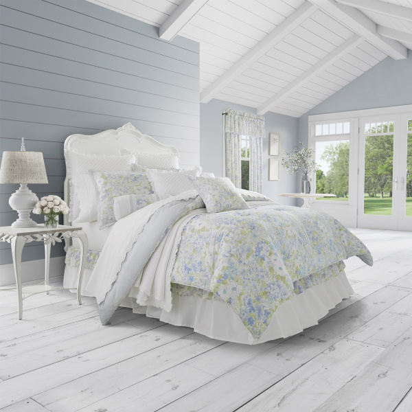Flower Bed 4-Piece Comforter Set