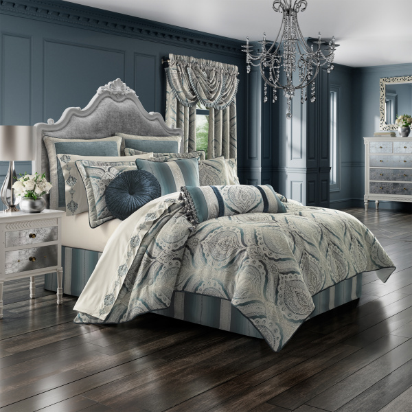 Gianna Queen 4-Piece Comforter Set