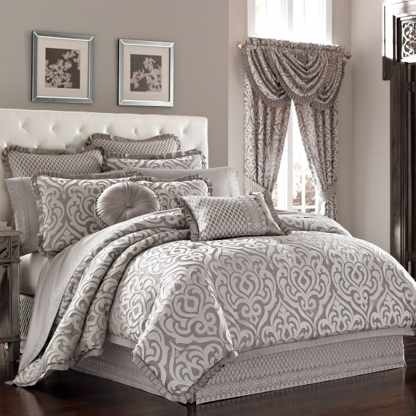 Babylon Full 4-Piece Comforter Set