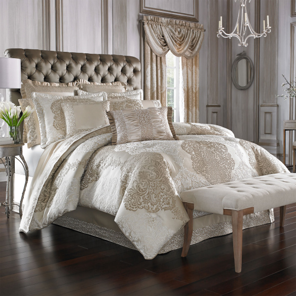 La Scala Gold Queen 4-Piece Comforter Set