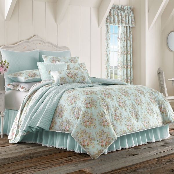 Haley 4-Piece Comforter Set