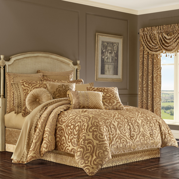 Sicily Gold Queen 4-Piece Comforter Set