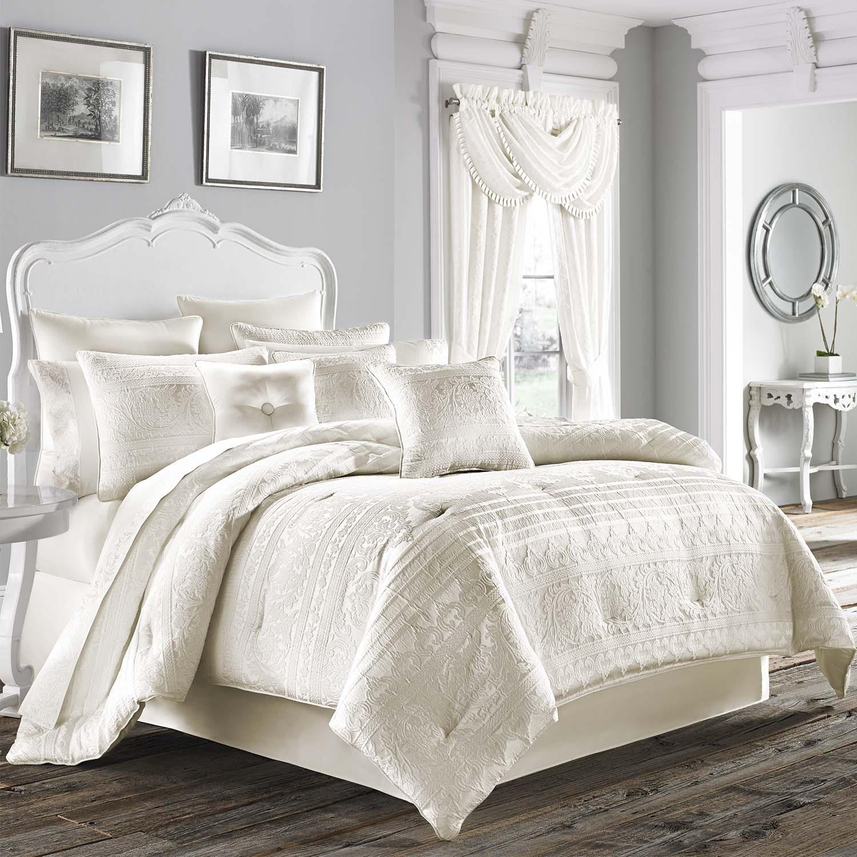 Mackay 4 Piece Cal King Comforter Set