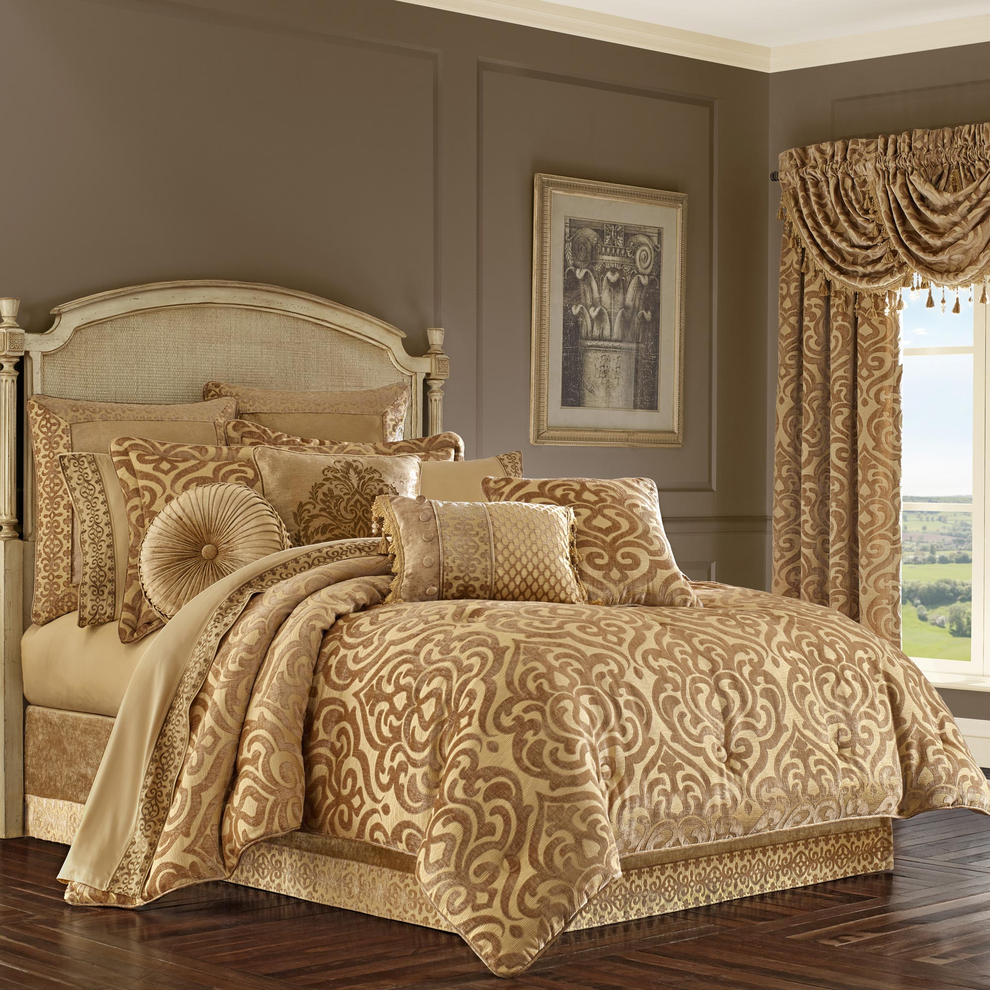 Sicily Gold Cal King 4 Piece Comforter Set