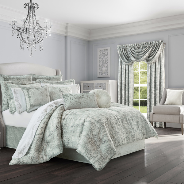 Dream Spa Queen 4-Piece Comforter Set