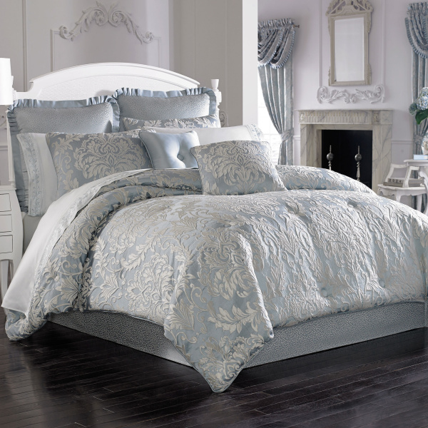 Faith Queen 4-Piece Comforter Set
