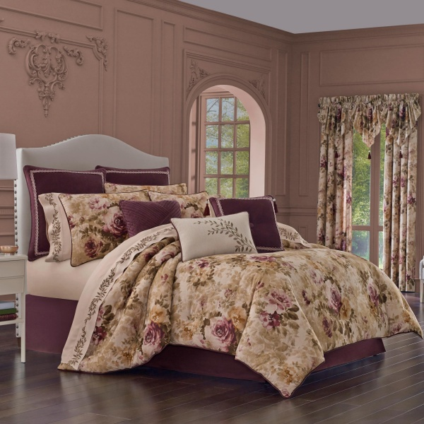 Grace Amethyst Queen 4 Piece Comforter Set