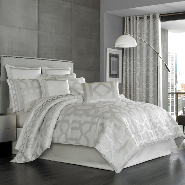 Kennedy Sterling Queen 4-Piece Comforter Set