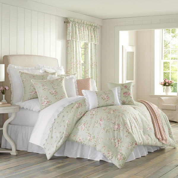 Lena Sage Queen 4-Piece Comforter Set