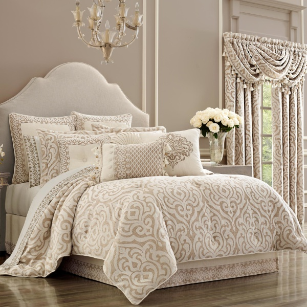 Milano Sand Queen 4-Piece Comforter Set