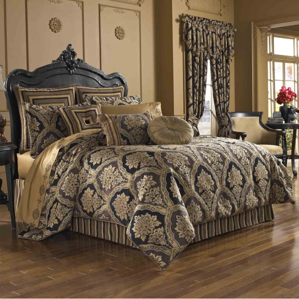 Reilly Queen 4-Piece Comforter Set