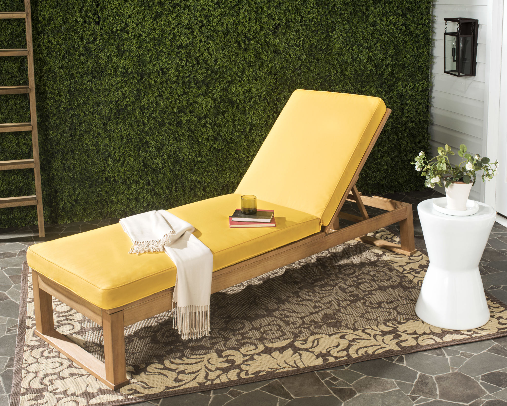 Solano Sunlounger on Safavieh Outdoor Living Solano Sunlounger id=31078