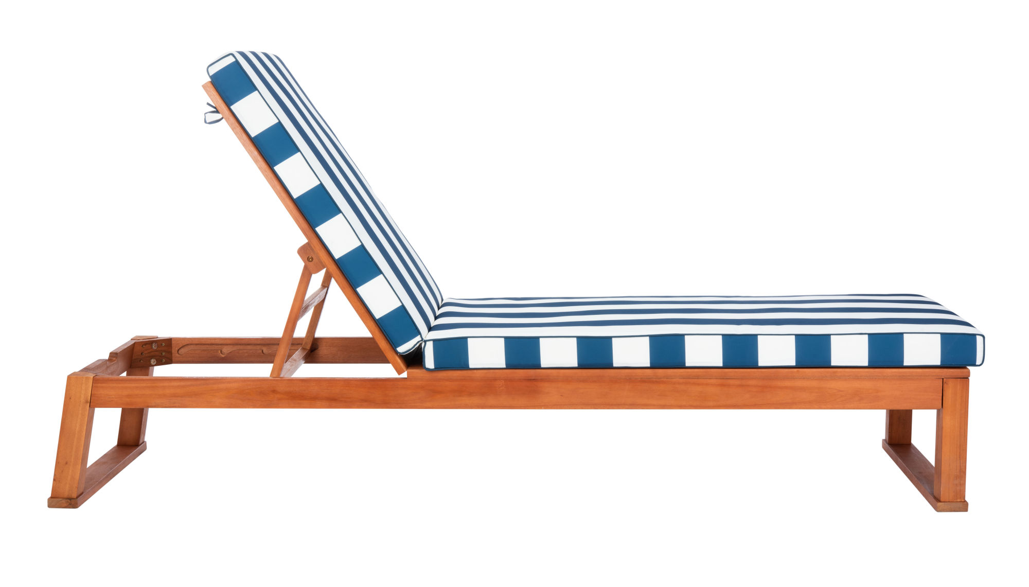 Solano Sunlounger on Safavieh Outdoor Living Solano Sunlounger id=43799