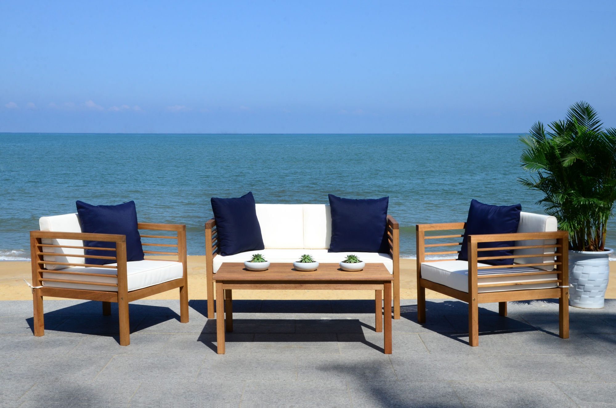 Alda 4 Pc Outdoor Set With Accent Pillows on Safavieh Alda 4Pc Outdoor Set id=69178