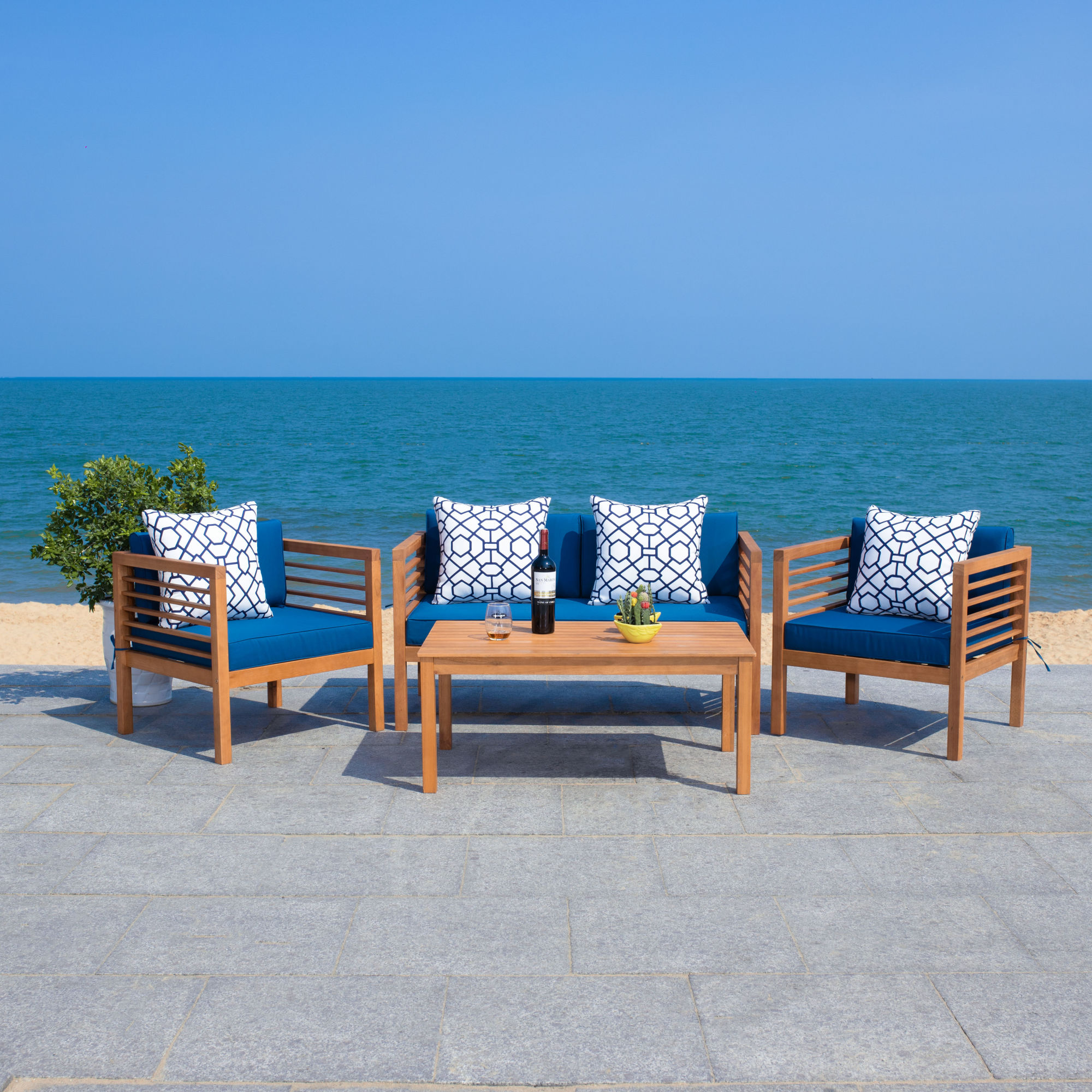 Alda 4 Pc Outdoor Set With Accent Pillows on Safavieh Alda 4Pc Outdoor Set id=72326