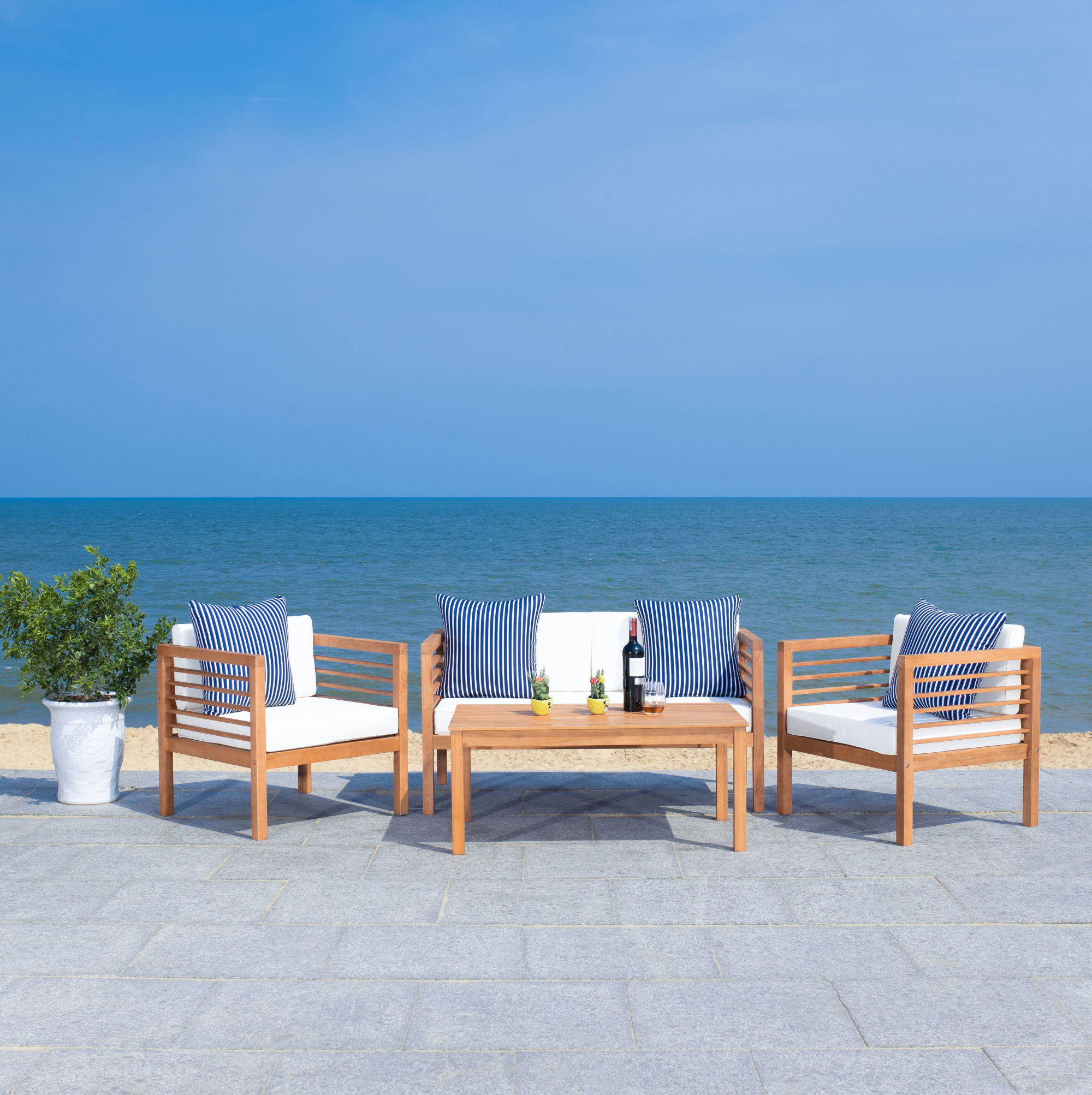 Alda 4 Pc Outdoor Set With Accent Pillows on Safavieh Alda 4Pc Outdoor Set id=21476